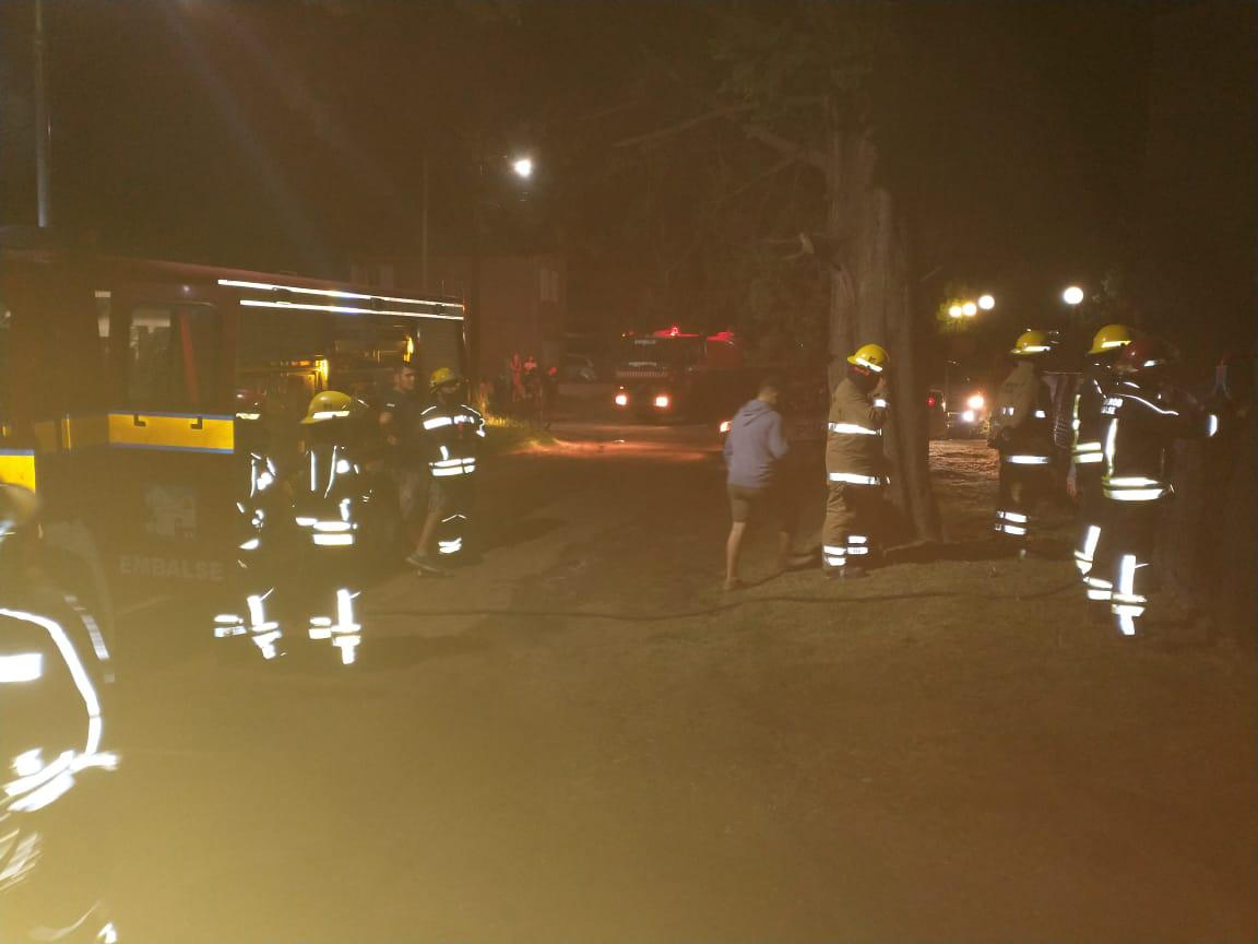 Incendio de vivienda en Embalse 05