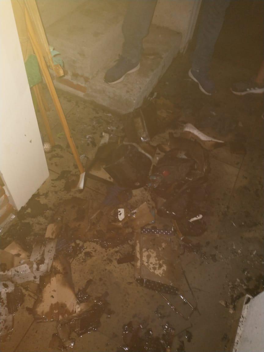 Incendio de vivienda en Embalse 06