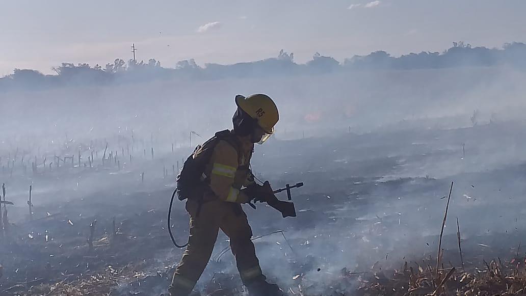 embalse bomberos incendio almafuerte 3