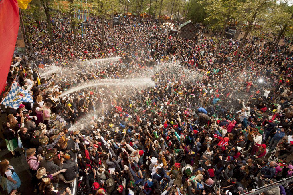 espiche oktoberfest fiesta la cerveza villa general belgrano