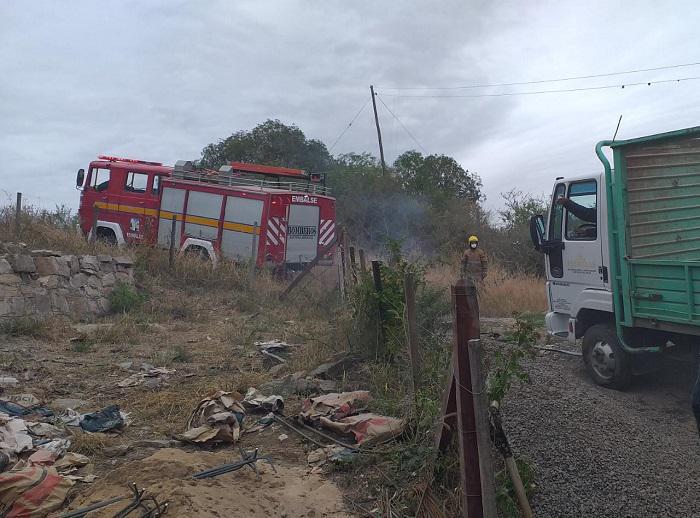 Bomberos EMbalse rescate de camion 02