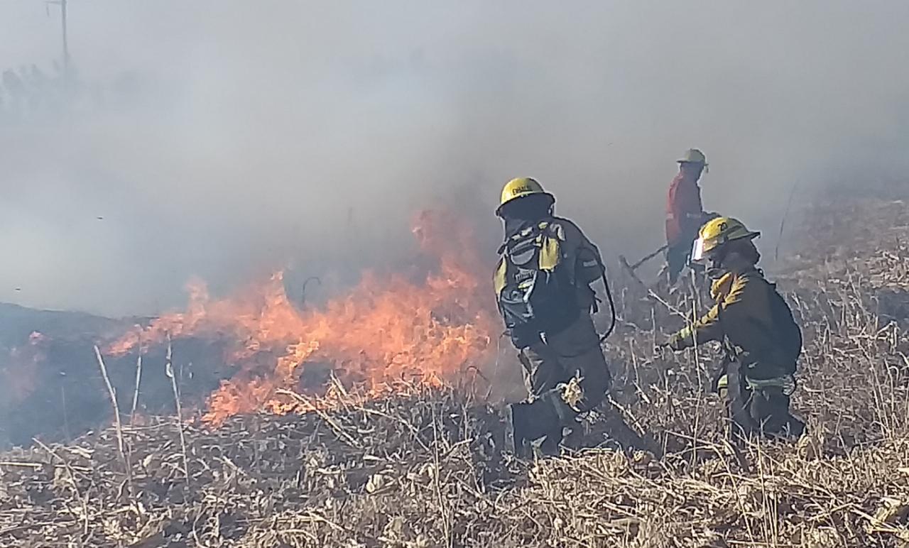 embalse bomberos incendio almafuerte 4