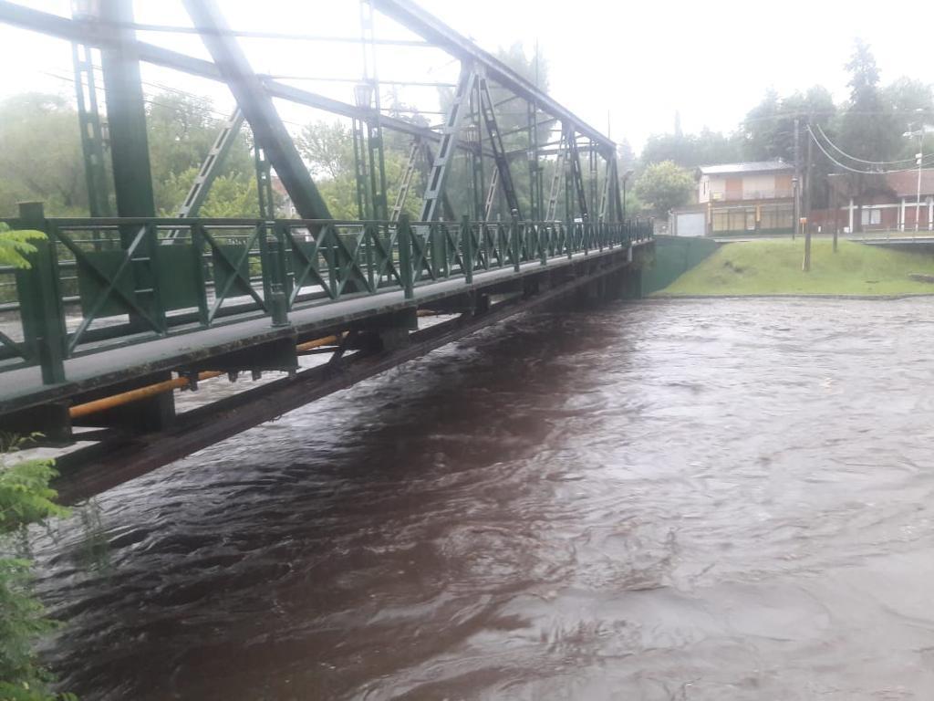 Puente de Hierro crecida rio santa rosa 31-1-21